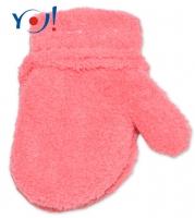Zimní kojenecké dívčí froté rukavičky YO - lososové