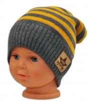 Podzimní/zimní proužkovaná čepice - šedo/žlutá