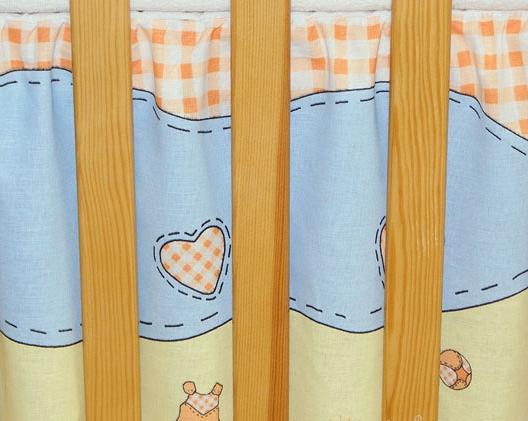 Krásný volánek pod matraci - Čáp cihlový
