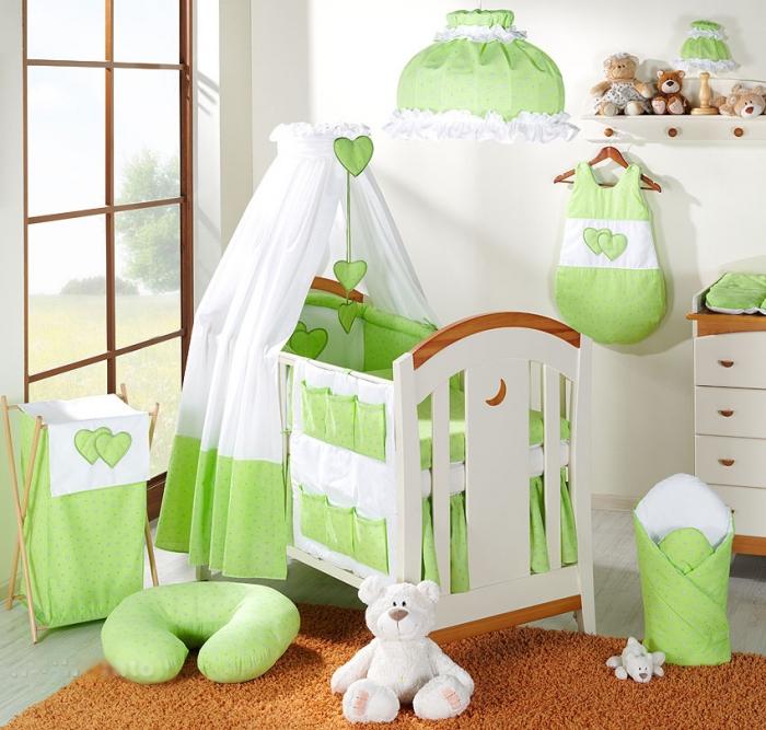 Krásný volánek pod matraci - Srdíčko květinka zelená