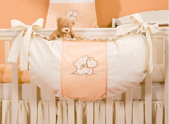 Luxusní kapsář na hračky - Medvídek se srdíčkem broskev kr.