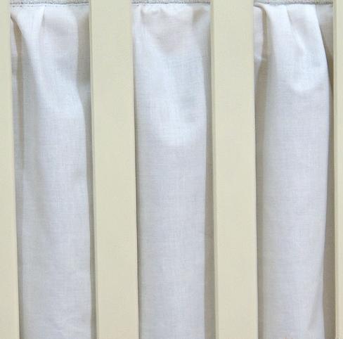 Krásný volánek pod matraci - bílý